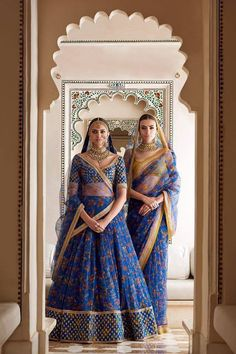 Sabyasachi Spring Couture The Udaipur Collection. Jewellery by Kishandas For Sabyasachi. Photograph by Tarun Khiwal. Bridal Lehenga Choli, Indian Lehenga, Indian Bridal Outfits, Indian Dresses, Indian Clothes, Indian Attire, Indian Ethnic Wear, India Fashion, Asian Fashion