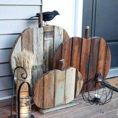22 Superb Halloween Decorations Using Pallet Wood Wooden Pumpkins