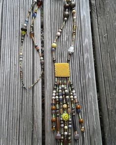 #macramé #colliers #necklace #handemade #madewithlove #madeinfrance #bohostyle #bohochic #boho #bohemelife #bohemestyle #boheme #gipsylife #gipsylifes #gipsystyle #naturel #nature #bohemian #bohemianstyle #colors #nature #natural #yellow