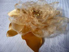 .. Brooch, Jewelry, Fashion, Moda, Jewlery, Jewerly, Fashion Styles, Brooches, Schmuck