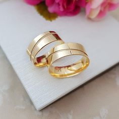 Bridesmaid Saree, Gold Ring Designs, Relationship Gifts, Couple Rings, Silver Bracelets, Gold Rings, Wedding Rings, Engagement Rings, Jewels