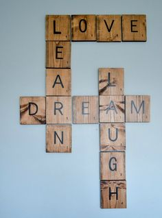 room diy wall DIY Scrabble Tile Art More - roomdiy Diy Scrabble Art, Scrabble Wand, Scrabble Letters, Scrabble Wall Tiles, Metal Letters, Metal Tree Wall Art, Diy Wall Art, Pallet Wall Art, Diy Wanddekorationen
