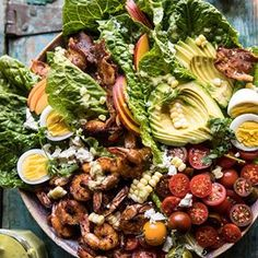 Chipotle Shrimp Cobb Salad with Jalapeño Corn Vinaigrette. goal in life? Never another boring salad --> Spicy chipotle shrimp, cherry… Pineapple Shrimp, Jalapeno Corn, Homemade Tahini, Dinner Salads, Big Salads, Jello Salads, Fruit Salads, Most Delicious Recipe, Half Baked Harvest