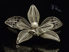 My Precious - Fine silver filigree brooch with freshwater pearl