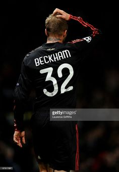 Manchester United V Ac Milan Uefa Champions League Stock Pictures, Royalty-free Photos & Images Football Love, Football Is Life, Football Memes, Sport Football, Good Soccer Players, Football Players, David Beckham Football, Soccer Kits, Football Wallpaper