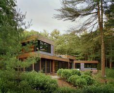 Kettle Hole House. Architects: Robert Young. Location: East Hampton, New York. Architect In Charge: Robert Young. Design Team: Mara Indra, Marlene Toerper, Shea Murdock. Project Architect: Kiyomi Troemner. Year: 2008. Photographs: Frank Oudeman.
