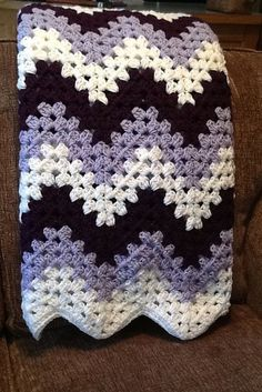 Transcendent Crochet a Solid Granny Square Ideas. Inconceivable Crochet a Solid Granny Square Ideas. Crochet Afghans, Motifs Afghans, Crochet Ripple Afghan, Afghan Crochet Patterns, Baby Blanket Crochet, Granny Pattern, Afghan Blanket, Chevron Crochet Blanket Pattern, Free Pattern