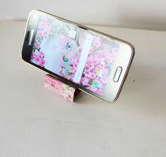 Akamatra: DIY smart phone stand with binders - Full tutorial