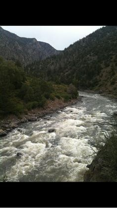 Kate ‏@JustKate66 Beautiful pic from a hike I did at Gore Canyon in Colorado pic.twitter.com/u6wAfVYumX