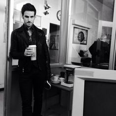 """Jmo tweeted this saying: """"that's one heck of a coffee holder"""" DAMN RIGHT GIRL!! ❤❤ #otp #captainswan #colinodonoghue"""