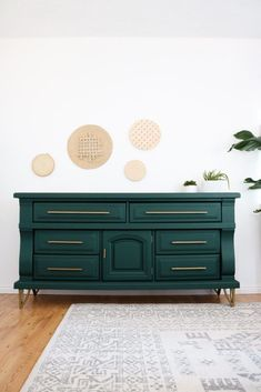 Diy Dresser Makeover Epic Diy Dresser Makeover She Made Those Legs And Pulls From An Old Metal Coffee Table Lily Ardor Furniture Projects, Diy Furniture, Bedroom Furniture, Furniture Stores, Bedroom Decor, Refurbished Furniture, 1920s Bedroom, Luxury Furniture, Cosy Bedroom