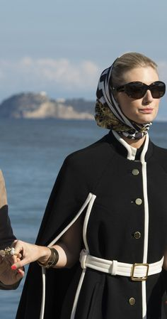 The Man from U. costume designer Joanna Johnston on the film's mod fashion and style inspirations. Johnston discusses outfits worn by stars Henry Cavill, Armie Hammer, Alicia Vikander, and Elizabeth Debicki in the movie directed by Guy Ritchie. Man From Uncle Movie, The Man From Uncle, Mod Fashion, 1960s Fashion, Codename U.n.c.l.e, Alicia Vikander Style, Latest Hollywood Movies, Elizabeth Debicki, Guy Ritchie