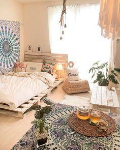 Pin by vaida on boho room in 2019 bohemian bedroom decor, be Bohemian Bedroom Decor, Boho Room, Beachy Room, Home Bedroom, Room Decor Bedroom, Summer Bedroom, Bedroom Beach, Trendy Bedroom, Master Bedrooms