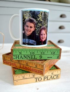 Coasters are always a need for your home. Click over to see how to make these DIY wooden coasters for your own home. They also make a great gift idea for family and friends. Diy Coasters, Wooden Coasters, Diy On A Budget, Decorating On A Budget, Painted Sticks, Coaster Furniture, Wooden Diy, Diy Christmas Gifts, Easy Diy Projects