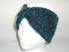 Stirnband TWIST BOUCLE in petrol-schwarz - Es muss nicht immer Mütze sein! Auch ein Stirnband ist ein guter Schutz gegen die Kälte.