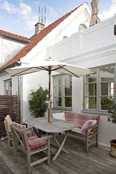 House Extension Plans, Extension Ideas, Grey Windows, Sweden House, Decks And Porches, Garden Seating, Outdoor Living, Outdoor Decor, Outdoor Settings