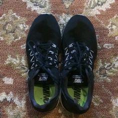 new concept b83eb c6433 Nike Shoes   Nike Vomero 10   Color  Black Silver   Size  12