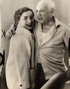 Pablo Picasso pictured with his second wife Jacqueline Picasso. Picasso was a man of many contradictions: often kindly and sensitive, he could also be selfish, tyrannical and domineering Pablo Picasso, Picasso Art, Georges Braque, Francisco Goya, Henri Rousseau, Paul Cezanne, Artist Life, Artist At Work, Picasso Pictures