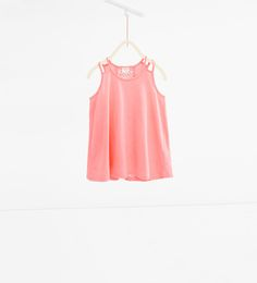 T-shirt with guipure lace back