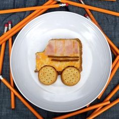 School Bus Lunch {Food Kids Can Make}