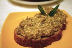 Padlizsánkrém ami 20 perc alatt elkészíthető, könnyed nyári vacsora, ízletes szendvicskrém - Ketkes.com Meatloaf, Eggplant, Steak, Cooking Recipes, Beef, Pesto, Dishes, Canning, Food