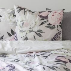 Designed by Liina Harju, Pioni (Peony) pattern charms with picturesque flowers and powdery colours that look great together. Light grey Pioni duvet cover is cm and the pillow case cm in size. Pioni pattern is only on one side of the duvet co Bedroom Desk, Bedroom Inspo, King Sheets, Bed Sheets, Linen Bedding, Bed Linen, Duvet Cover Sets, Luxury Bedding, Room Inspiration