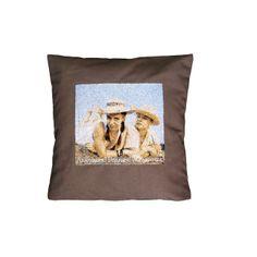 Романтический подарок для любимой или любимого - подушка с вышитым портретом