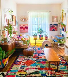Cosy Home Decor, Boho Decor, Colourful Living Room, Im In Love, Cushion Covers, House Colors, Kids Rugs, Throw Pillows, Interior Design