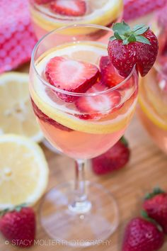 White Wine Strawberry Lemonade Sangria Recipe Cocktails, Beverages with lemon… Strawberry Lemonade Sangria, Spiked Lemonade, Moscato Sangria, White Strawberry, Lemonade Cocktail, Fancy Drinks, Summer Drinks, Cocktail Drinks, Homemade Lemonade Recipes