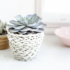 Create this woven effect from clay with an easy skill (almost) all of us can do!