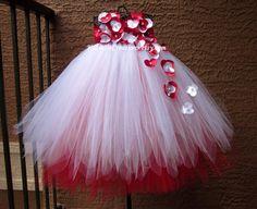 Red & White Flower Girl Tutu Dress por KatieDsCreations en Etsy