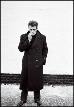 Classic James Dean - New York, Photo: Dennis Stock. Dennis Stock, Jimmy Dean, Inspiration Mode, Actors, Vintage Hollywood, Hollywood Men, Hollywood Icons, Hollywood Actresses, Classic Hollywood