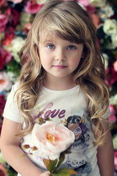 blonde kid>>>nice child