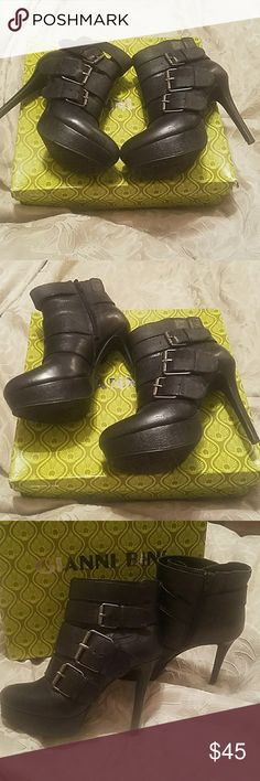 GIANNI BINI platform heeled boots Black leather platform heels by Gianni Bini, buckle detailed, zipper on the side, rubber bottom, size 7M, some slight wear on heel and toe, otherwise good condition, accepting all reasonable offers,bundle for discounts Gianni Bini Shoes Heeled Boots