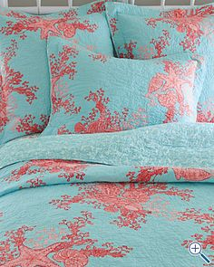 Lilly Pulitzer Laguna Quilt- this would have been perfect for our Chi O showroom last year!!!