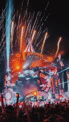 Electro Music, Dj Music, Dance Music, Tomorrow Land, Lollapalooza, Tomorrowland Festival, Coachella, Online Roulette, Open Air