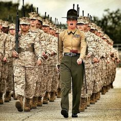 Let's go Marines! Female Marines, Female Soldier, Military Girl, Military History, Military Photos, Us Marine Corps, Navy Marine, Marine Core, Army Women