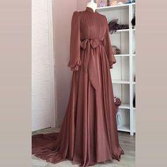 Dress Wedding Bridesmaid Hijab ✔ Dress Wedding Bridesmaid Hijab Ready to ramadan Long Silk Khimar Elegant muslim dress The Row Hijab Evening Dress, Hijab Dress Party, Hijab Style Dress, Evening Dresses, Hijab Chic, Dresses For Hijab, Maxi Dresses, Abaya Fashion, Muslim Fashion