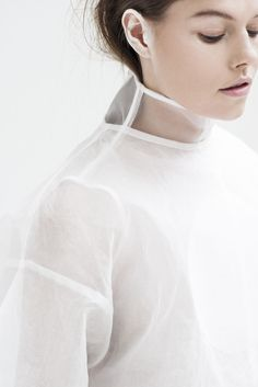 The graduate collection of Kingston University fashion design alumnus Shaun Harris, 0,1,2,3,4 is the result of the designer's in-depth investigation into how to give fashion a fourth dimensional perspective.