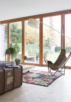 sfgirlbybay / bohemian modern style from a san francisco girl Interior Exterior, Exterior Design, Home Living, Living Spaces, Modern Barn House, Scandinavian Style Home, Turbulence Deco, Living Room White, Butterfly Chair