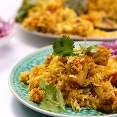 Layered Cauliflower Biryani Layer upon layer of Cauliflower goodness Veg Recipes, Vegan Recipes Easy, Pasta Recipes, Vegetarian Recipes, Cooking Recipes, Vegan Desserts, Afghan Food Recipes, Cake Recipes, Curry Recipes