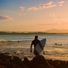 Sunset surf in NOOSA!