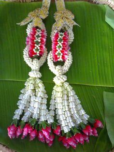 Thai style flower garland for the wedding