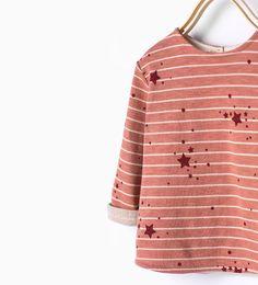 Shirt mit Streifen und Sternen