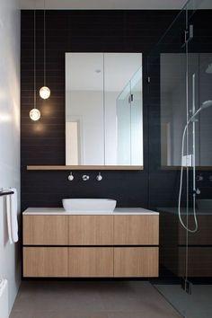 Las líneas rectas y tener en el baño únicamente lo necesario son las claves para conseguir un baño de estilo minimalista