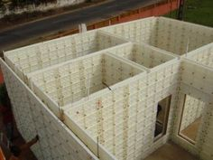 moladi-Re-useable Plastic Formwork - Formwork - Wikipedia, the free encyclopedia Concrete Houses, Concrete Blocks, Low Cost Housing, Diy Speakers, Intelligent Design, Recycling, Room, Hyde, Home Decor