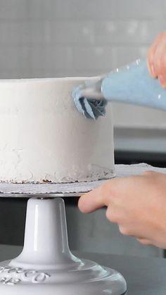 Cake Decorating Designs, Cake Decorating Techniques, Cookie Designs, Pretty Cakes, Beautiful Cakes, Amazing Cakes, Cupcakes, Cupcake Cakes, Red Velvet Cake Decoration
