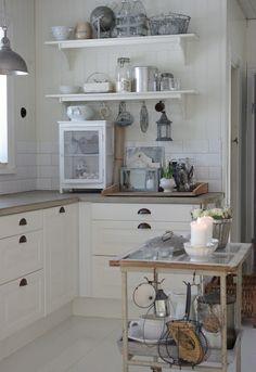 vintage+scandinavian+kitchen+newly+renov - http://yourhomedecorideas.com/vintagescandinaviankitchennewlyrenov/ - #home_decor_ideas #home_decor #home_ideas #home_decorating #bedroom #living_room #kitchen #bathroom #pantry_ideas #floor #furniture #vintage #shabby