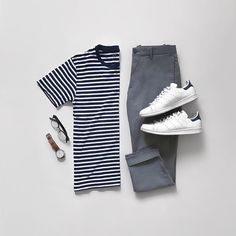 Royal Fashionsit is the best Men's Fashion Guide. Here you will find the latest . - Men's style, accessories, mens fashion trends 2020 Mens Style Guide, Men Style Tips, Stylish Men, Men Casual, Business Dress, Casual Outfits, Fashion Outfits, Style Fashion, Mein Style
