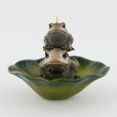 Floating Mini Frog On Lily Pad Flower- Mini Candle Mom and Baby Frog